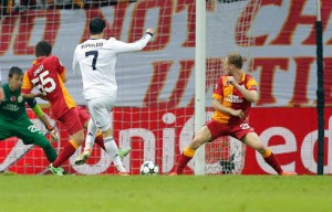 cristiano-ronaldo-656-second-goal-in-galatasaray-3-2-real-madrid-in-2013