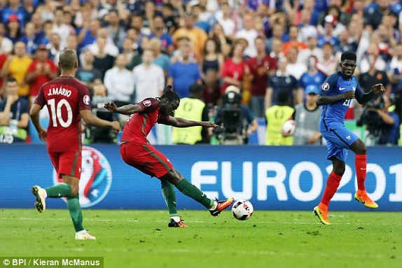 1468185857171_lc_galleryImage_Eder_of_Portugal_scores_t