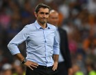 Barcelona's coach Ernesto Valverde stands on the sideline during the second leg of the Spanish Supercup football match Real Madrid vs FC Barcelona at the Santiago Bernabeu stadium in Madrid, on August 16, 2017. / AFP / GABRIEL BOUYS