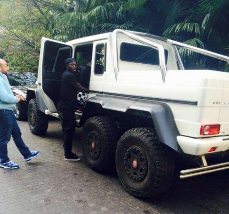Sulley-Muntari-Mercedes-Benz-G63-600x562