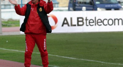 """Traineri i Partizanit, Hasan Lika, gjate ndeshjes se futbollit, Partizani-Laci, 2-1, e vlefshme per Kampionatin Kombetar, e luajtur ne stadiumin """"Qemal Stafa"""" ne Tirane."""