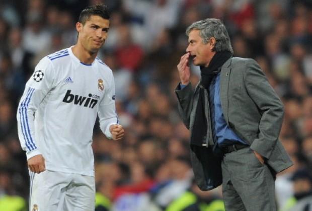 Prapaskenat  Kristiano Ronaldo refuzoi Junajtidin prej  Mout   S dua të përfundoj mbrojtës krahu