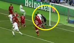 sergio-ramos-elbowed-loris-karius-during-the-2017-18-champions-league-final-between-real-madrid-and-liverpool--twitter