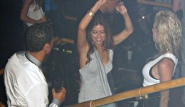 2_PAY-EXCLUSIVE-Cristiano-Ronaldo-parties-at-Rain-Nightclub-in-Las-Vegas-with-Kathryn-Moyorga-in-June-200