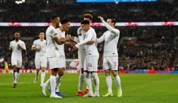 Soccer Football - International Friendly - England v United States - Wembley Stadium, London, Britain - November 15, 2018  England's Jesse Lingard celebrates with Callum Wilson, Jadon Sancho, Dele Alli and Ben Chilwell after scoring their first goal   REUTERS/Darren Staples