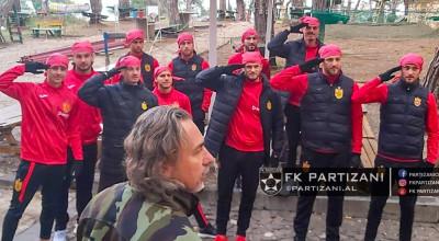 Pershendetja ushtarake Partizani