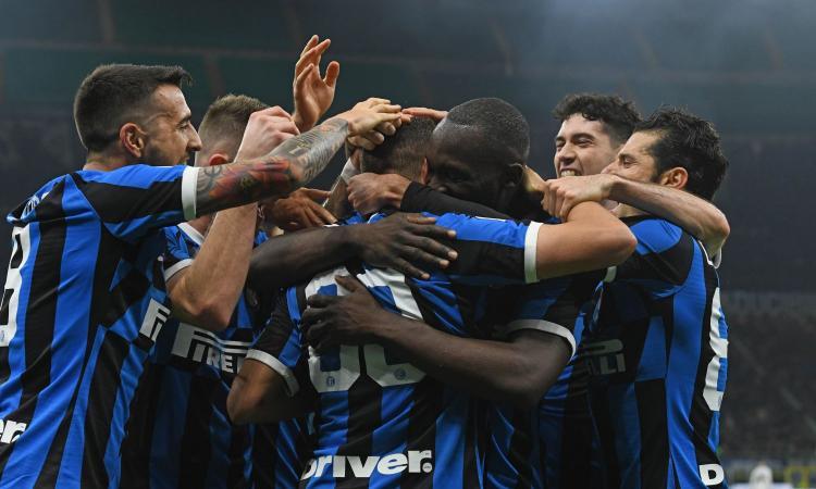 Inter.2019.20.abbraccio.esultanza.750x450