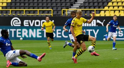 dortmunds-erling-haaland-scores-goal-against-schalke-1040x572
