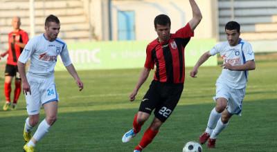 Daniel Xhafa, gjate nje dyluftimi ne ndeshjen e futbollit, Teuta-Flamurtari i Vlores, 1-1, e vlefshme per Kampionatin Kombetar, e luajtur ne stadiumin Niko Dovana, ne Durres.