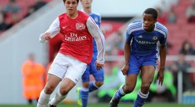 Alban Bunjaku (Arsenal) Archange Nkumu (Chelsea). Arsenal U18 1:0 Chelsea U18