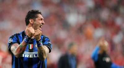 inter_milans_defender_marco_materazzi_celebrates_after_the_uefa__1535577