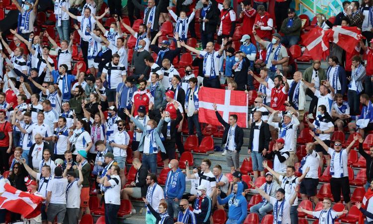 tifosi.finlandia.2021.bandiera.danimarca.750x450