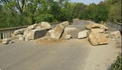 Serbët vendosin Barrikada