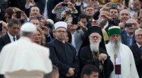 Ja pse Papa zgjodhi Shqiperine!