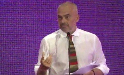 Kryeministri Edi Rama gjate prezantimit te Erion Veliajt
