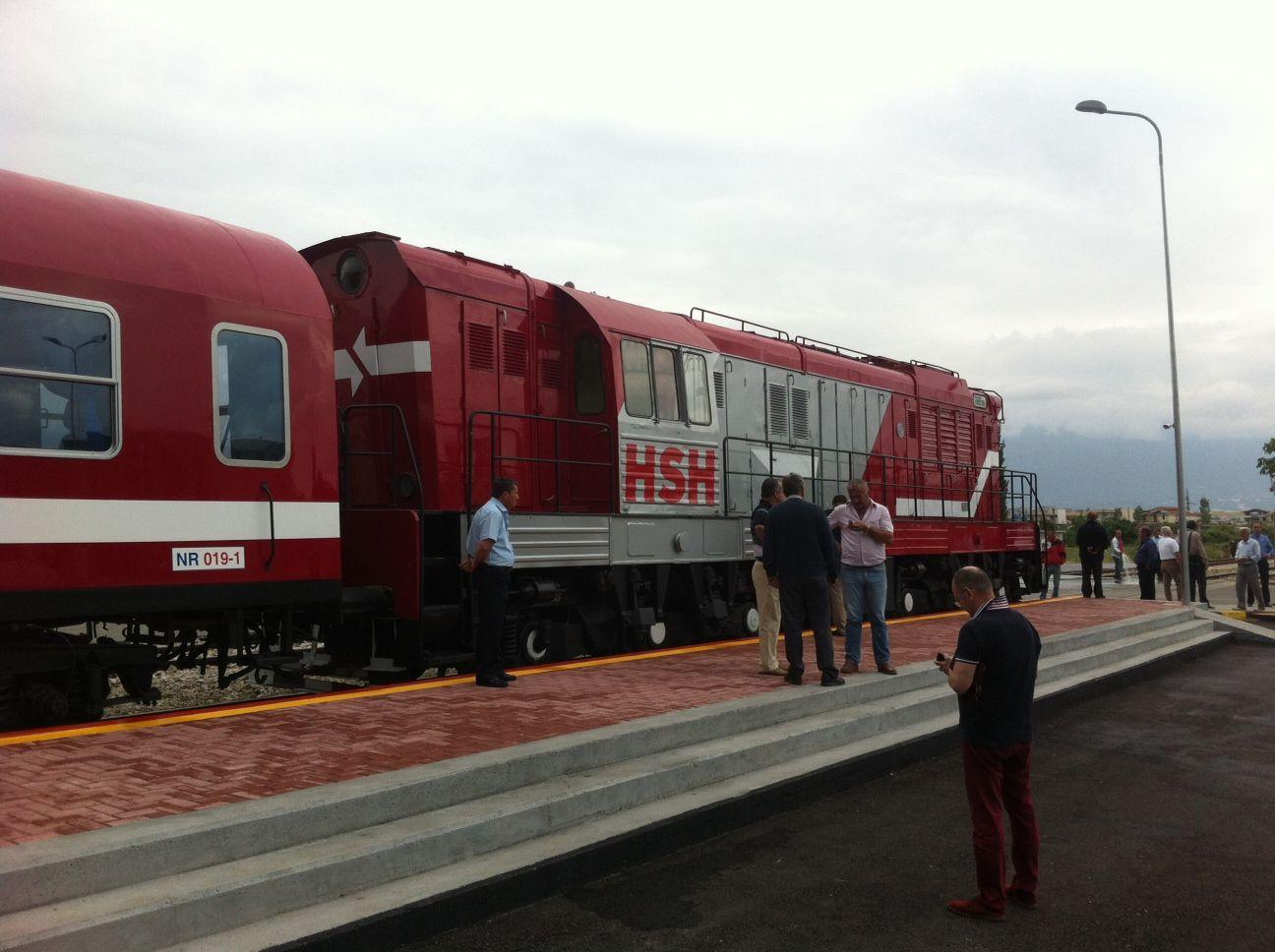 Foto Ilustruese: Trenat e rinovuar në stacionin e Vorës