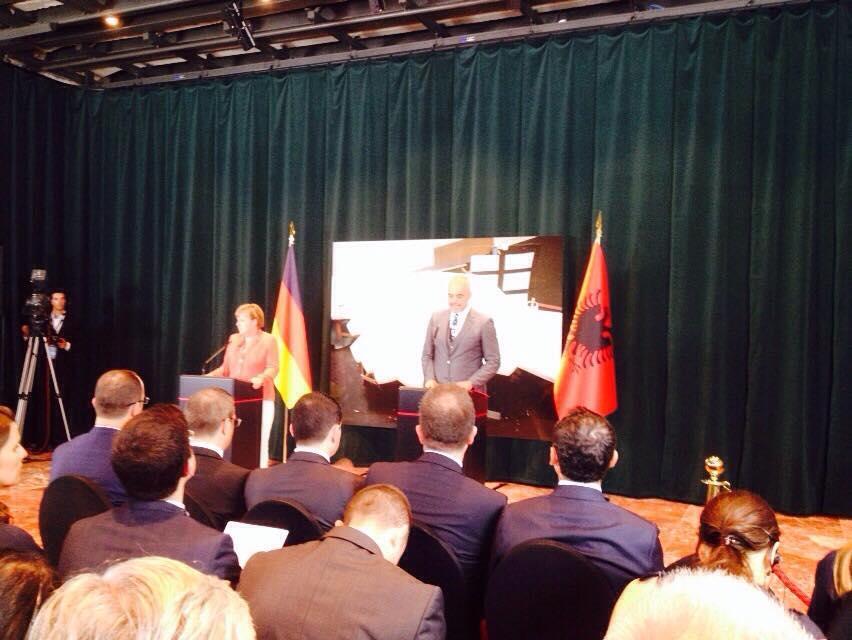 Rama dhe Merkel ne konference shtypi