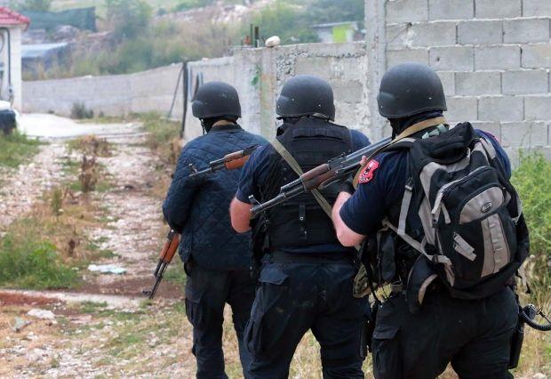 Policia në Lazarat