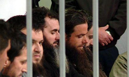 Muslimani i Xhihadistëve bejte Bashës: Sshembet diktatura me ledhatim
