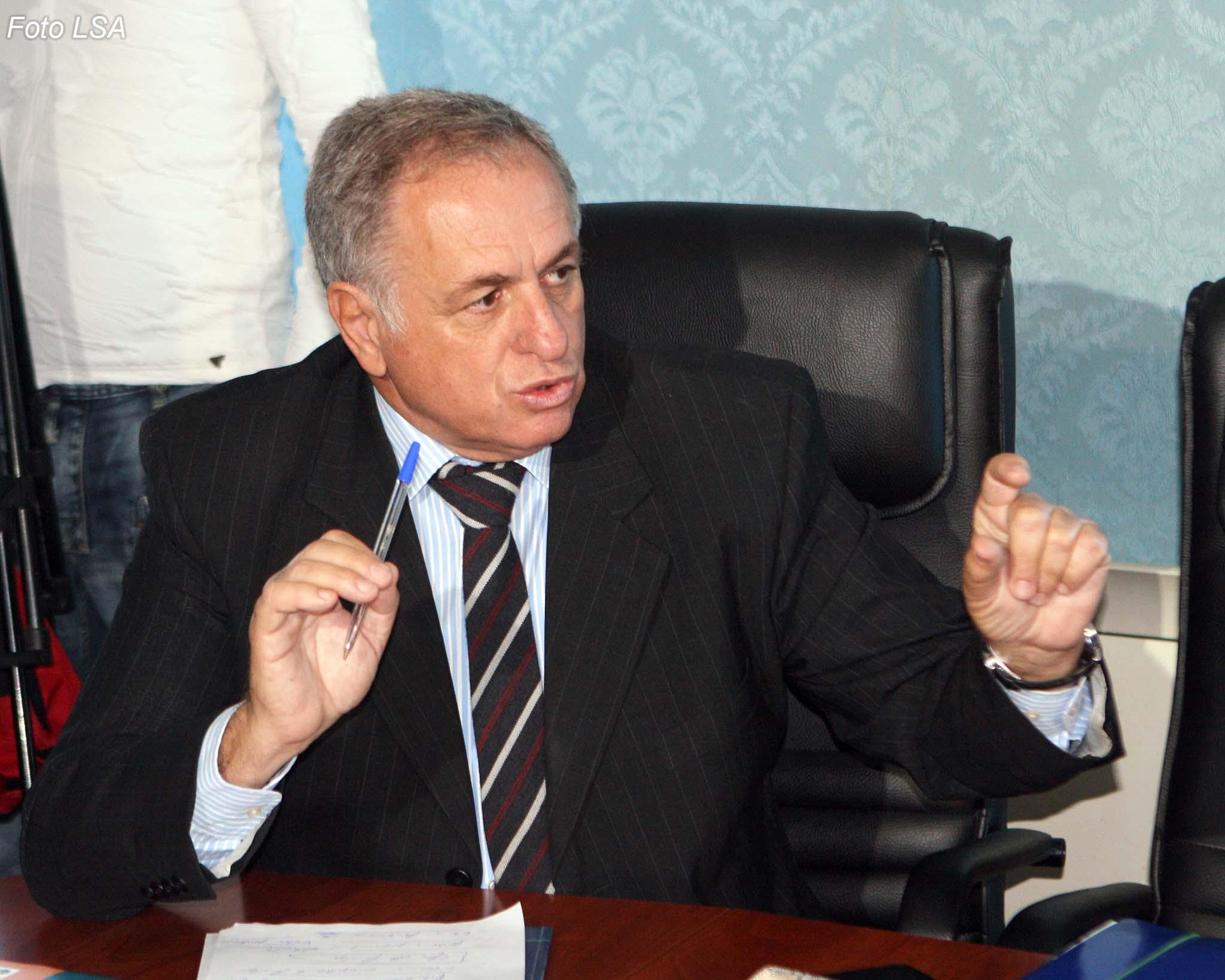 Tritan Shehu: PD-ja të marrë masa për deputetët që spiunojnë debatet