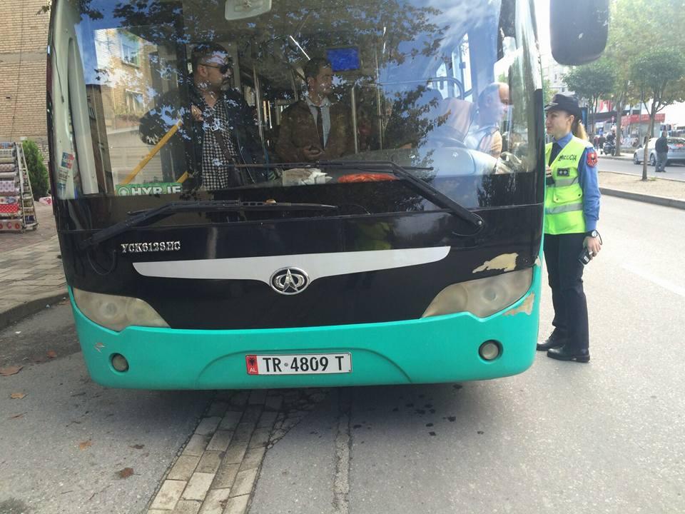 Policia në aksion, kontroll shoferëve të urbanëve nëse janë të pirë