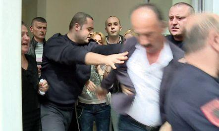 """Tensione në gjyqin ndaj dy mjekëve të """"Koço Gllozhenit"""""""