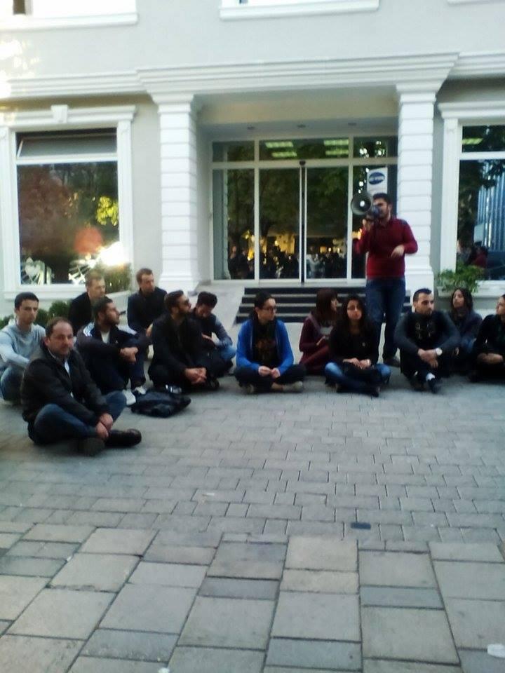 Shoket e studenteve kerkojne lirimin e tyre