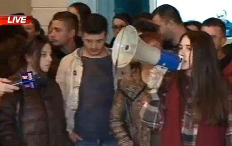 Studentet pas daljes nga komisariati i policise