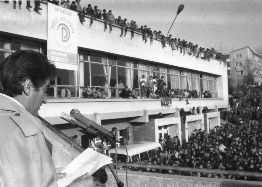 Berisha bëri deputet Tomor Dostin që tentoi të sillte armë nga Greqia në 1991