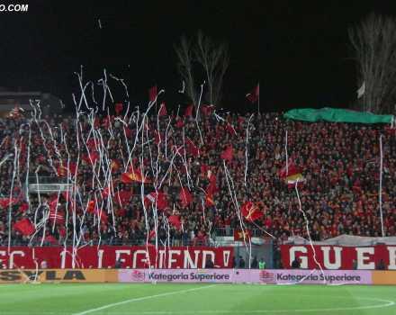 Tifozet e Partizanit, gjate ndeshjes se futbollit, Partizani-Skenderbeu i Korces, 1-1, e vlefshme per Kampionatin Kombetar, e luajtur ne stadiumin Qemal Stafa, ne Tirane./r/n/r/nPartizani's fans, during the Albanian Super League football match Partizani-Skenderbeu of Korca, 1-1, at the Qemal Stafa stadium in Tirana.