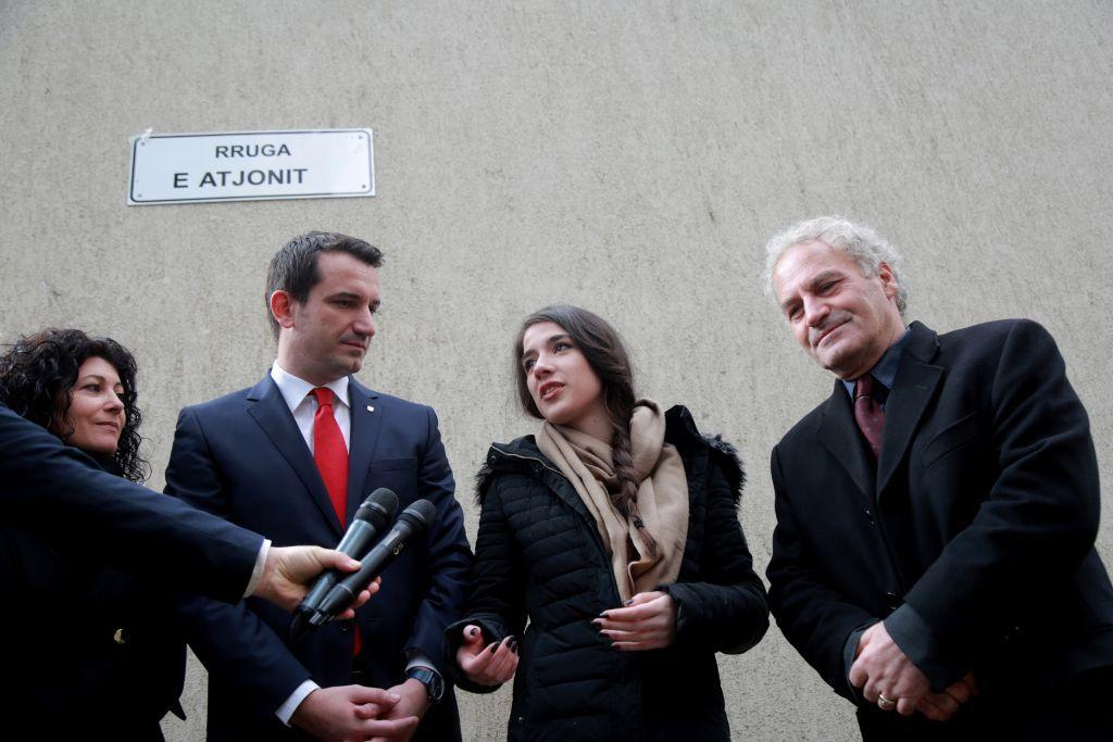 Tirana, një rrugë me emrin e Atjonit, në kujtim të djalit të Visar Zhitit