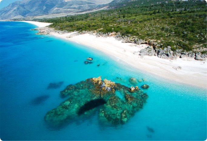 Shqipëria, ndër vendet me varësi më të lartë nga turizmi në botë, pasoja nga Covid-19