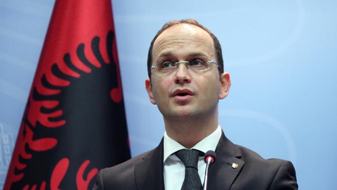 Bushati: Skemi negociata me Greqinë për kufirin detar
