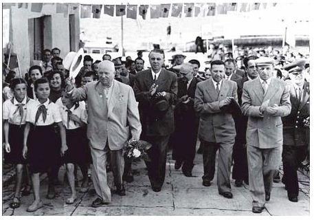 Image result for enver hoxha dhe hrushov