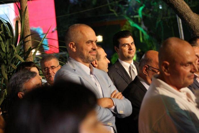 Rrezikohet takimi Rama-Basha pas bojkotit të Parlamentit nga opozita