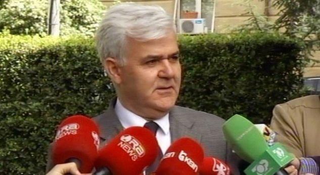 Xhafaj flet jashtë Kuvendit  mesazhet para se të votohet Ministër i Brendshëm