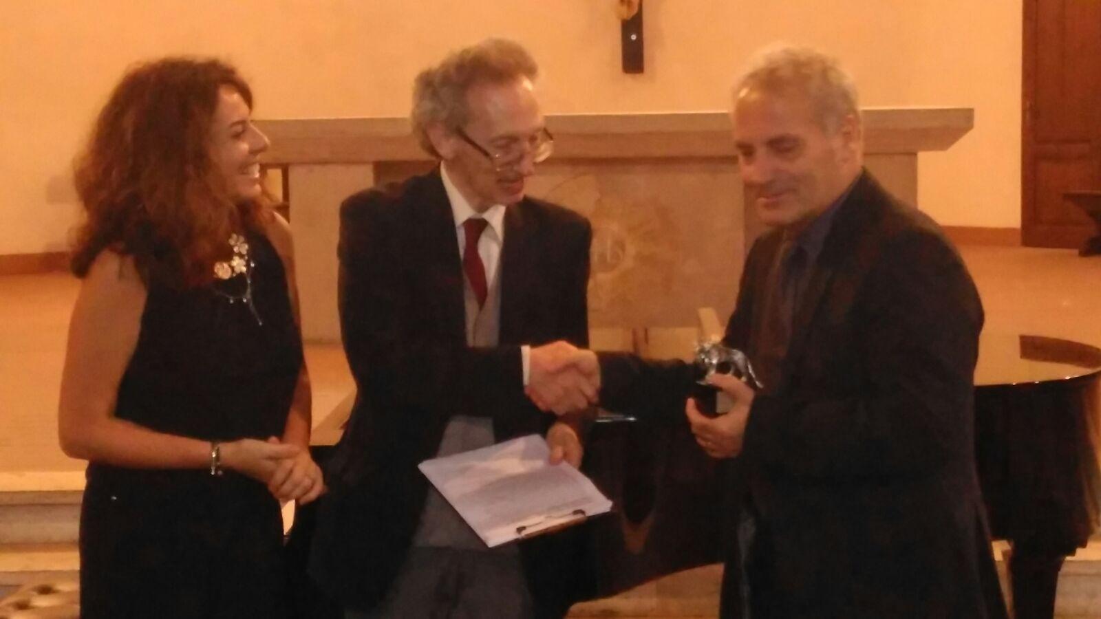 Visar Zhiti vlerësohet me çmimin letrar Gjuha e shpirtit në Itali
