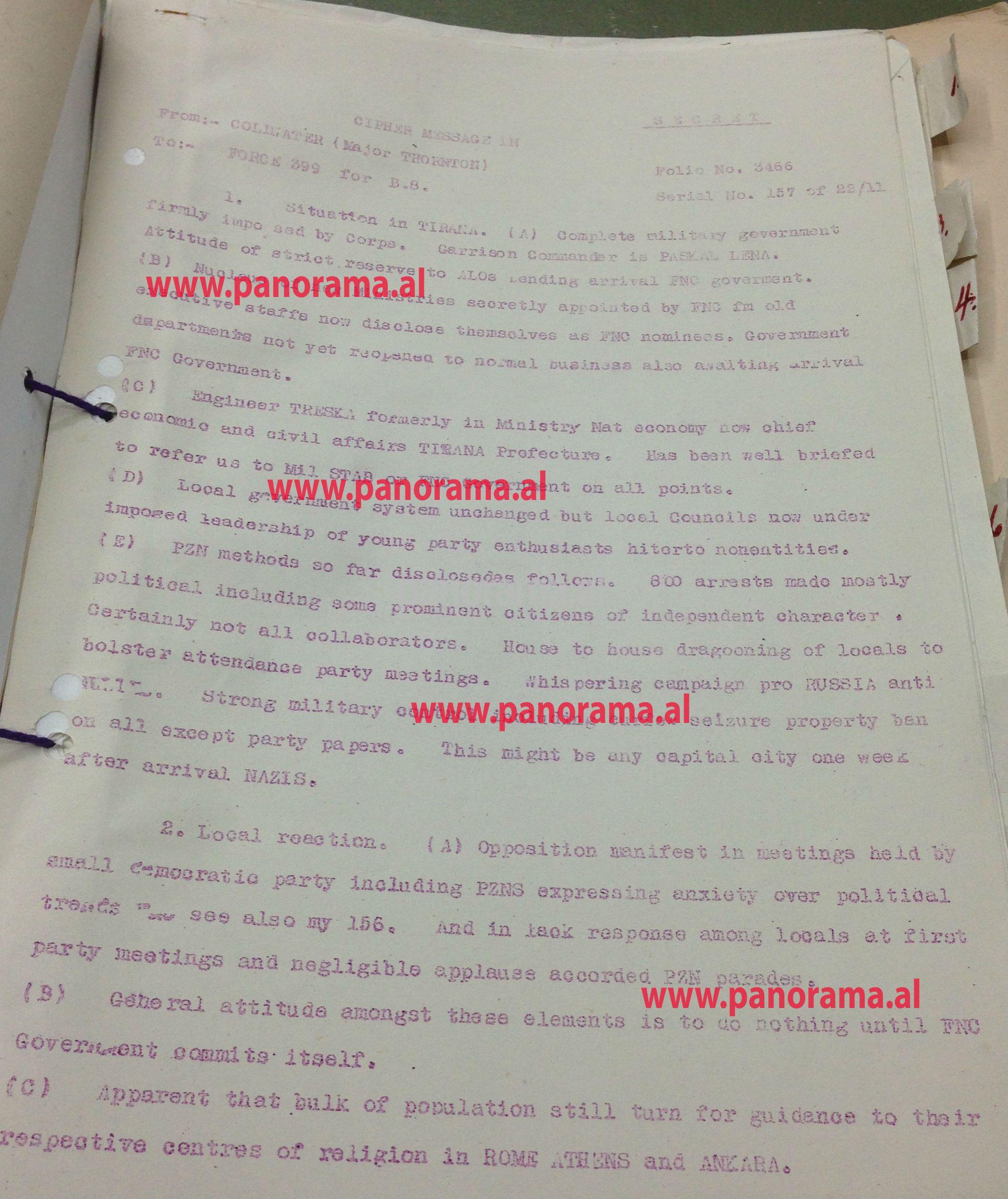 Faksimile e raportit të majorit Thornton më 22 nëntor 1944 mbi situatën në Tiranë pas çlirimit të saj ku, sipas tij, u kërkohet banorëve me detyrim të marrin pjesë në takimet e Partisë