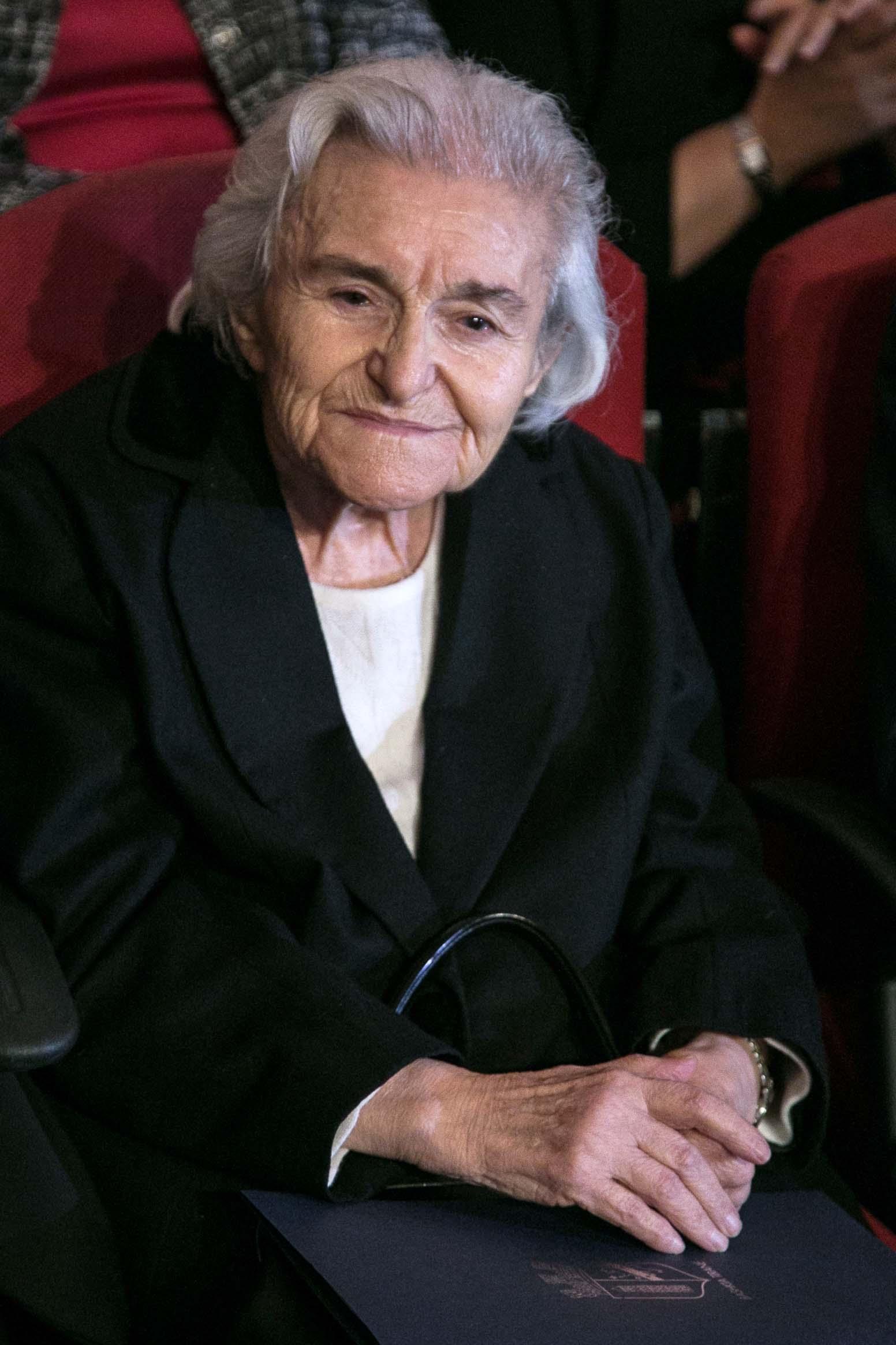 Liri Belishova, gjate nje koncerti festiv, me rastin e 17 nentorit te 70 vjetorit te clirimit te Tiranes./r/n/r/nLiri Belishova, during homage to the Martyr Nation on the occasion of 70 anniversary of the liberation of Tirana.