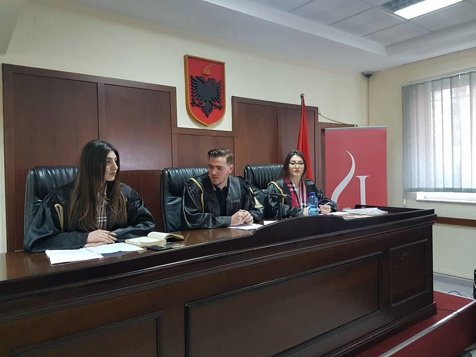 skeme vleresimi Ministri i arsimit dhe shkencës, z myqerem tafaj, mori pjesë në diskutimin rajonal të kurrikulës 1-9, që u bë në qytetin e elbasanit, me mësues e pedagog.