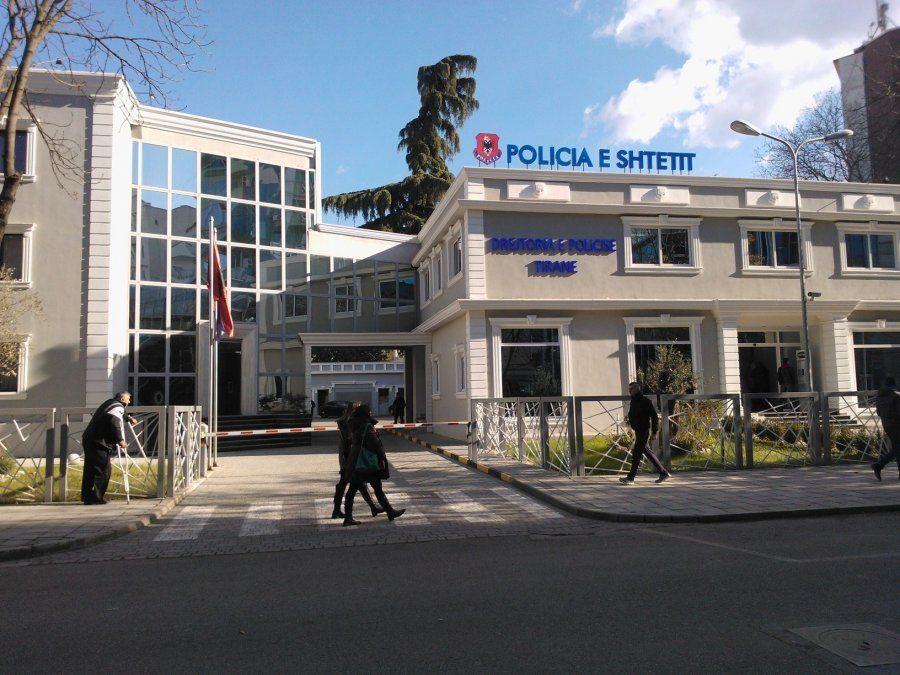auto_policia-e-tiranes1486127438