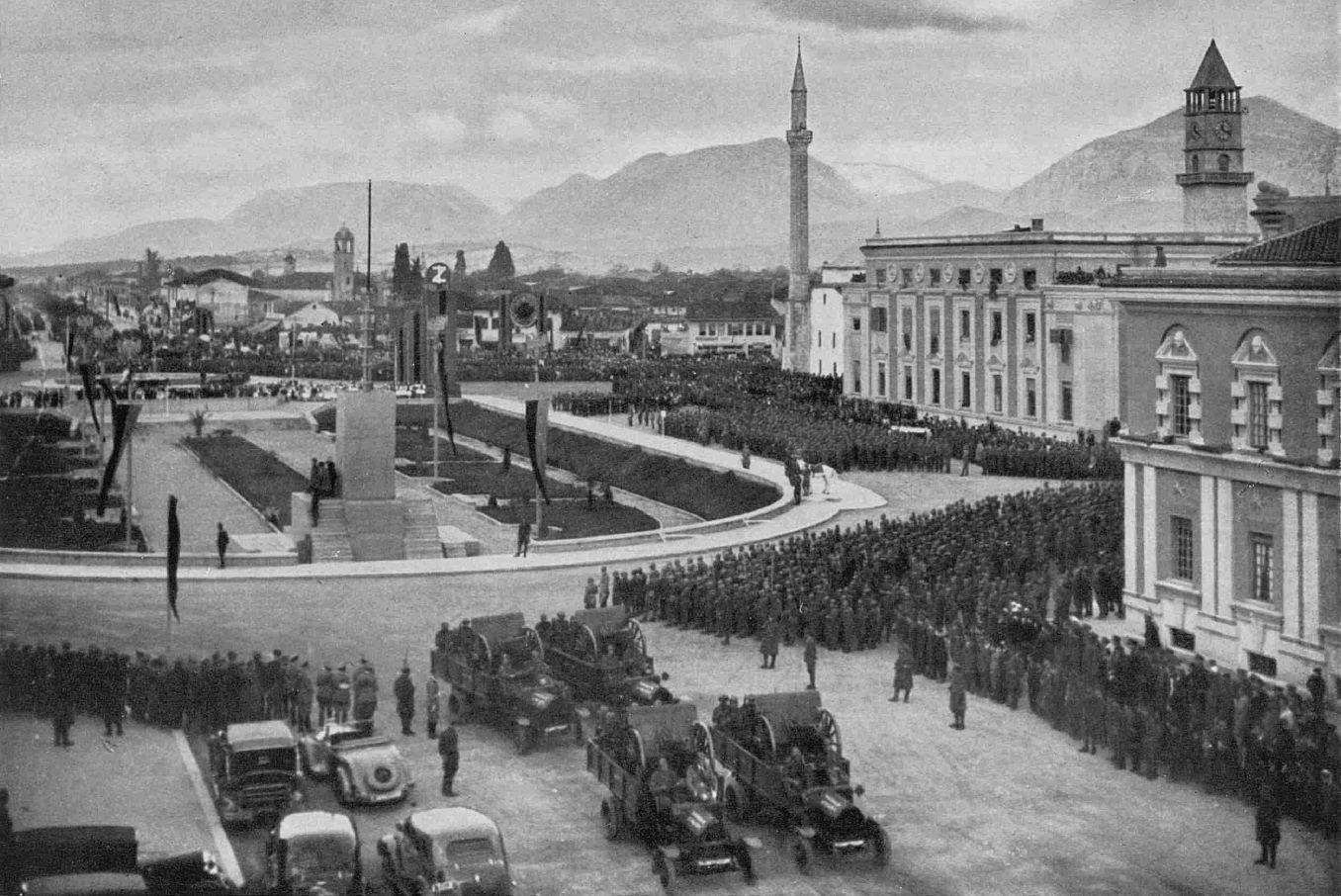 Foto e rrallë  Si festohej Pavarësia në Tiranën e vitit 1937