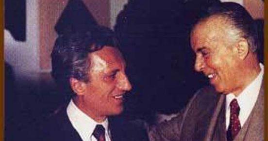 Dritero Agolli dhe Enver Hoxha