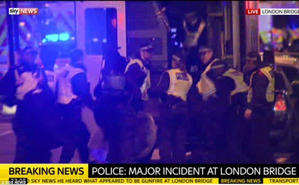 4112B7B900000578-4569638-Police_are_treating_injured_people_and_carrying_them_away_at_the-a-65_1496529171432
