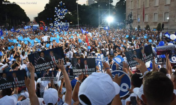 mitingu-i-partise-demokratike-tirane-zgjedhje-2017-foto-ivana-dervishi3-600x360