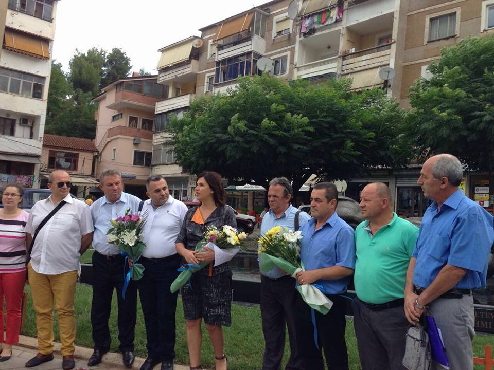 Nga homazhet dhe ceremonia përkujtimore në 40-vjetorin e pushkatimit të Genc Lekës dhe Vilson Blloshmit në Librazhd