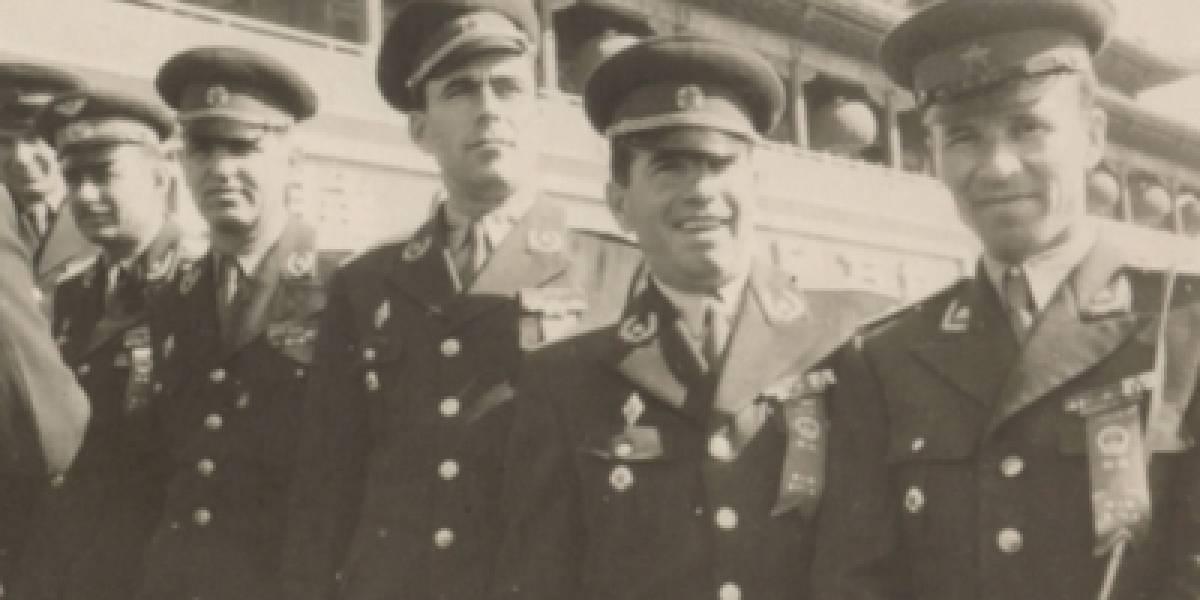 Gjeneral Parllaku me ushtarakë të lartë