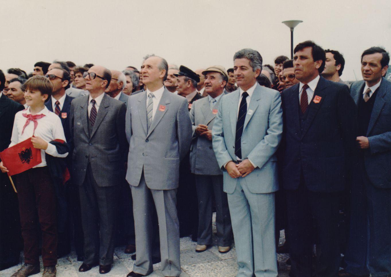 Mehdi Bushati ne nje ceremoni me Ramiz Aline