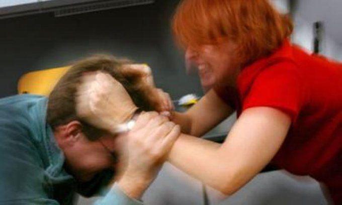 dhune ndaj burrave