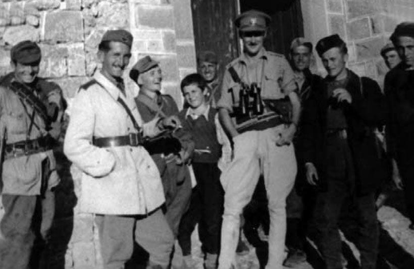 Oficeri britanik Billy McLean gjatë qëndrimit në Shqipëri